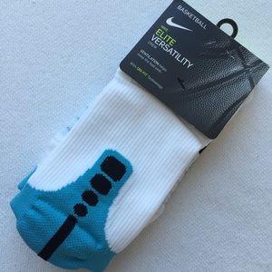 Nike Accessories - Nike Elite Versatility Crew Socks