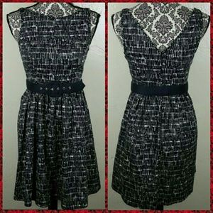 🌟 Forever 21 Black & White Dress with Belt