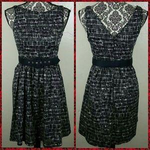 🌺 Forever 21 Black & White Dress w Belt Size Smal