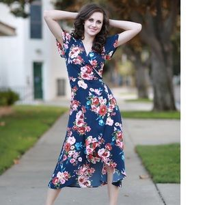 Dresses & Skirts - Floral Midi Dress💓