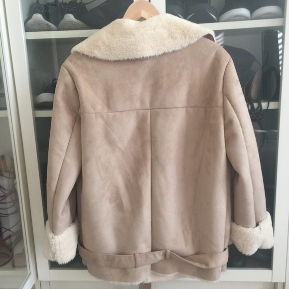 Forever 21 Jackets & Coats - Forever 21 Faux Fur winter coat