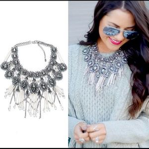Only 1 left! Gorgeous Statement Necklace