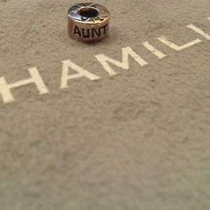 Chamilia Aunt Charm Sterling silver