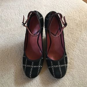Vince Camuto Black Suede Wedges Size 7