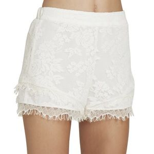 Cream Lace Elastic-Waist Shorts