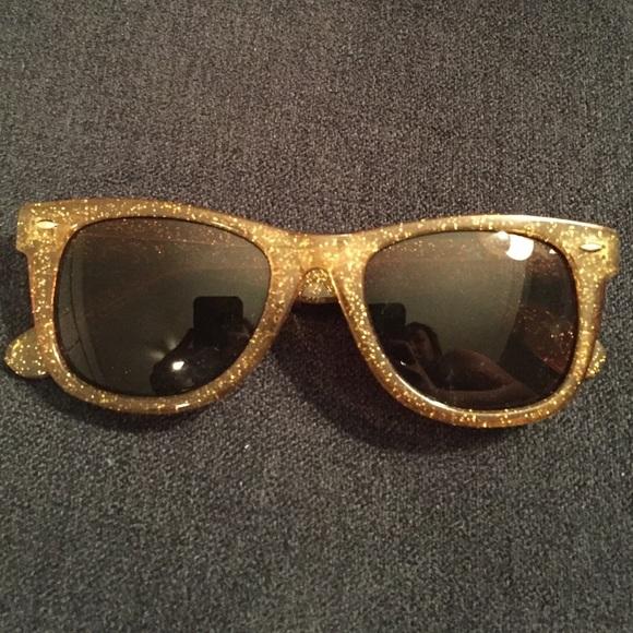 42a4f5b66e6 Betsey Johnson Accessories - Gold Glitter Betsey Johnson Sunglasses