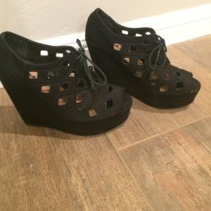 Soda Shoes - Black suede wedges