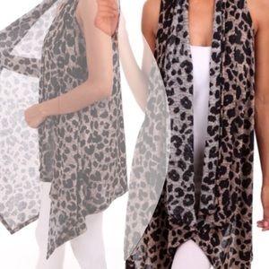 tla2 Jackets & Blazers - 💥HOST PICK 8/31💥ANIMAL PRINT VEST
