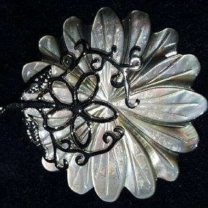 24th & Ocean Jewelry - 💜Mother of pearl💟 VINTAGE 💓