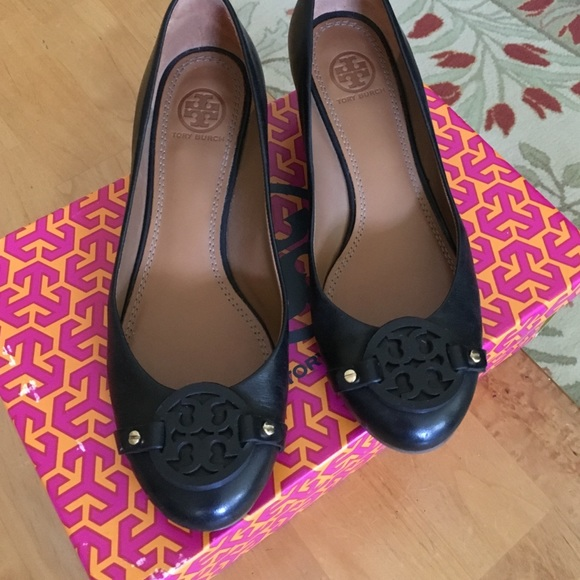 14c2ea42ef6 Tory Burch Mini Miller Wedge Pump 45mm Sz 7.5 blk.  M 57bb375dbf6df50ab901c940