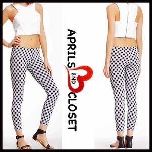 American Twist Pants - ❗️1-HOUR SALE❗️BLACK Printed LEGGINGS⭐️⭐️
