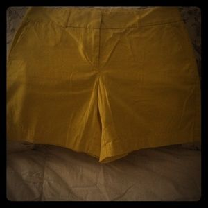 "Ann Taylor Loft 6"" Inseam Yellow Shorts! NWT!!!"