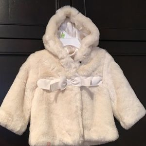 Gap Other - Baby girls Faux fur coat