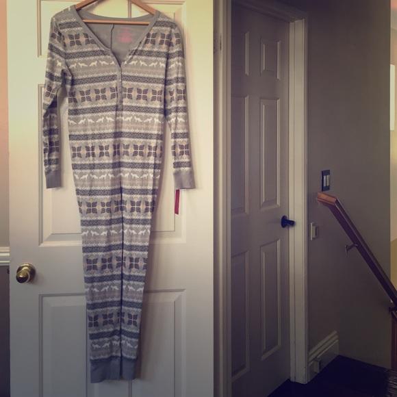 079a5382d119 NWT Xhilaration Grey One Piece Pajamas Size M