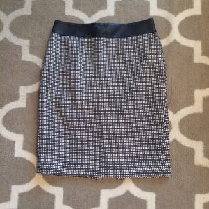 Ann Taylor pencils skirt size 2