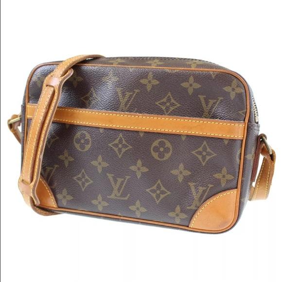 c8c1affa89d4 Louis Vuitton Handbags - 💯 Authentic Louis Vuitton Trocadero 23 crossbody