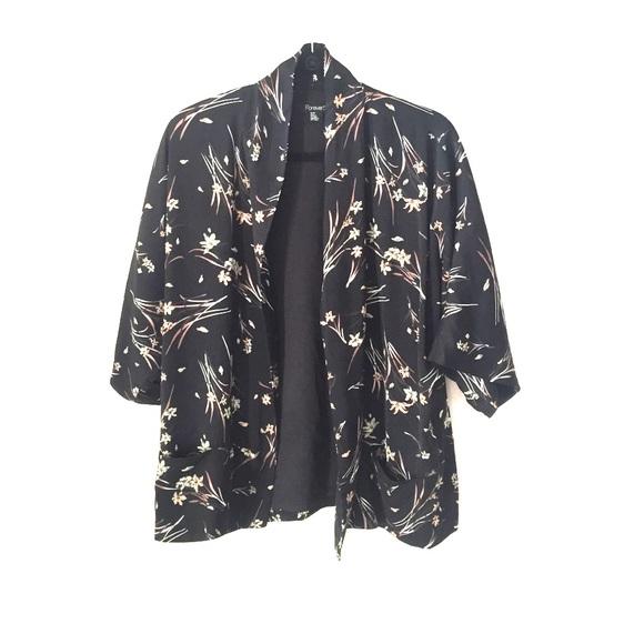 2104e744cf31 Forever 21 Tops - Silky Black Flower Print Short Sleeve Kimono