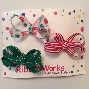 Other - Christmas color bow set