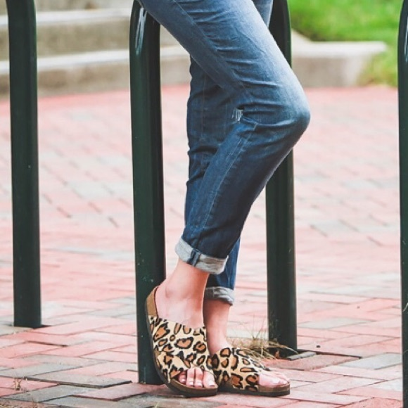 a9479b42ecd4 Sam Edelman Adora Leopard Slide Sandals. M 57bb807641b4e0154c00f06c