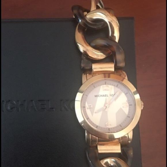 cdb9ed837a FLASH SALE Rose gold MK runway chain twist watch. M 57bdc59bf739bcba9a0049a3