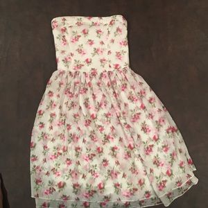 A small girls Abercrombie kids dress.