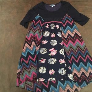 A size 8 dress with a lot of shapes and is cute.