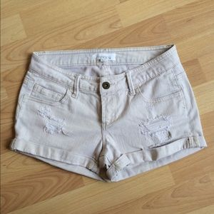 Light khaki/cream denim shorts