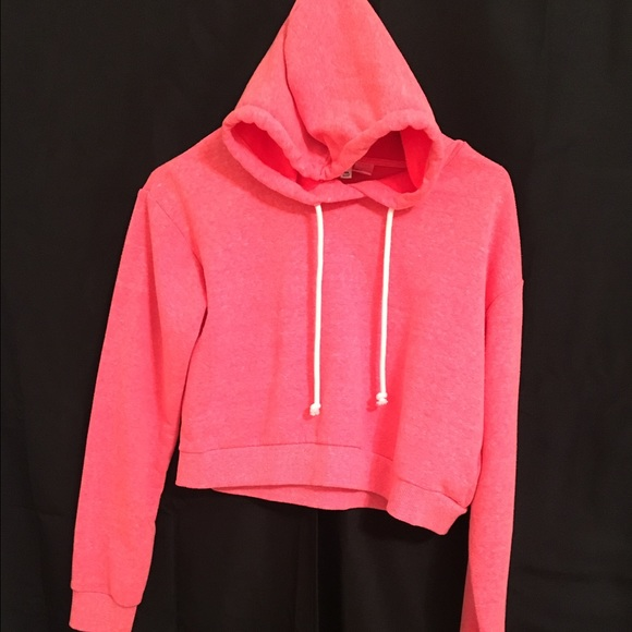 H&M - Hot pink crop top H&M hoodie from @a.d_scenery's closet on ...