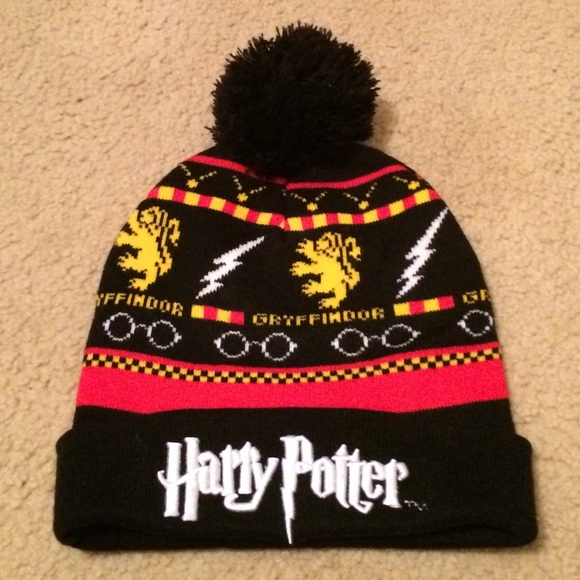 Hot Topic Accessories - ⚡️NWOT Harry Potter Pom Beanie⚡️ f5944cabae55