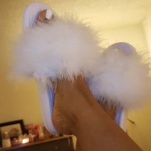 Shoes - 💞 furry slides 💝❤️💝