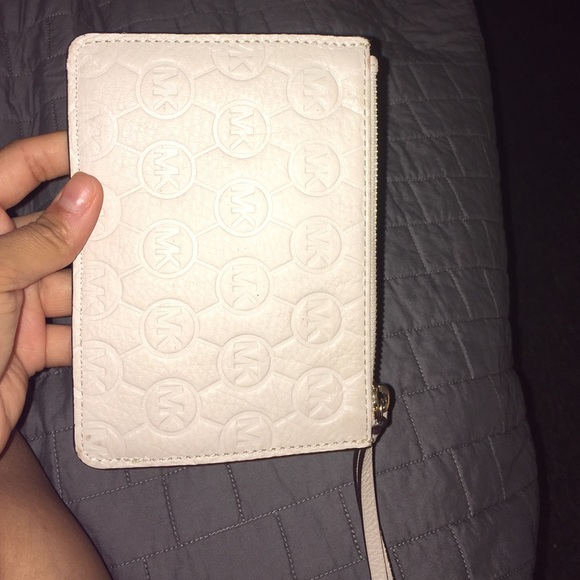 MICHAEL Michael Kors Bags - MK vanilla wristlet