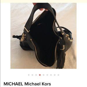 5f8cf2b44f17 Michael Kors Bags - SOLD ON TRADESY Michael Kors Bedford Hobo