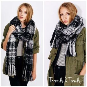 Accessories - LAST ONE SALE! 🌸Brushed Plaid Blanket Scarf