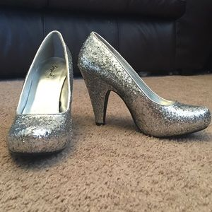Qupid Shoes - Silver Sequin Heels - Size 7