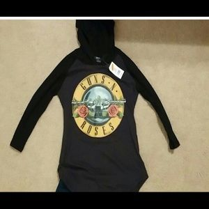 Bravado Tops - NWT Black Guns & Roses lightweight thermal hoodie
