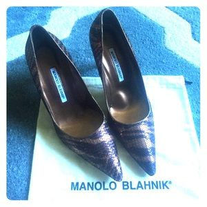 SALENever worn Manolo Blahnik