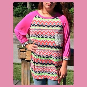 ️LUS! 5 Pink Crochet Pocket Raglan Tee! NEW!