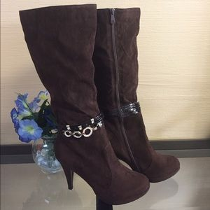 Shoes - ***Suede Boots