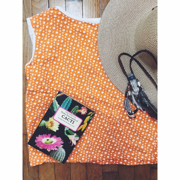 Vintage Tops - 🍊BOGO!!🎈 Vintage Orange Dotted Top