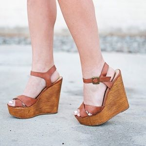 Cognac strappy wood bottom look wedges
