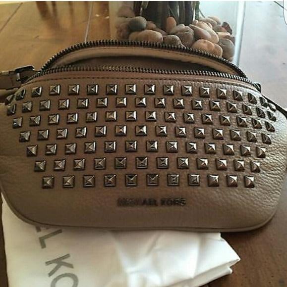 788438978ed Michael Kors Bags | Rhea Fanny Pack | Poshmark