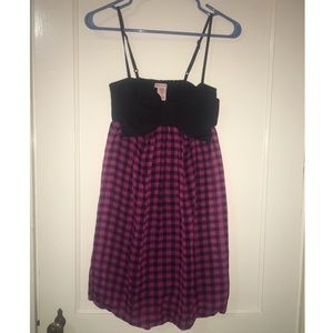 Dresses & Skirts - Pink and black bow cocktail dress