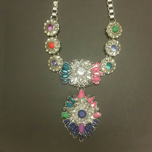 Pins & Brooches Attractive Necklace Multi Coloured Stones Never Worn