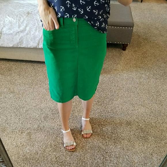 f871d247f Kelly Green Denim Skirt. M_57bceab74127d0e56c007303