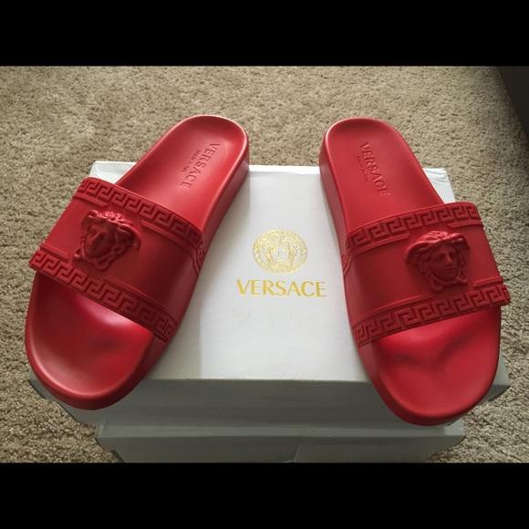 87f327f8bc5869 NEW Versace Medusa Head Red Slides sz42 (US8.5-9)
