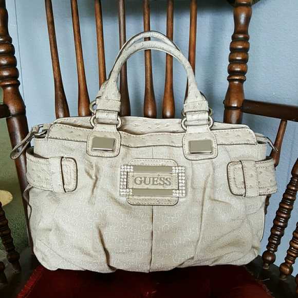 GUESS Bags | Cream Purse | Poshmark