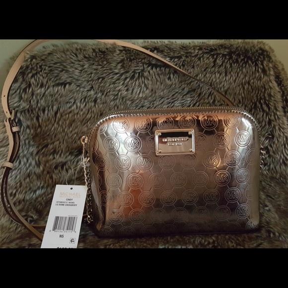 dcf1c1683c1a Michael Kors Bags | Nwt Cindy Nickel Lg Dome Crossbody | Poshmark