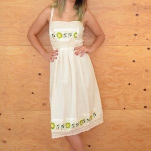 Vintage 70's Cream Green Embroidered Floral Dress
