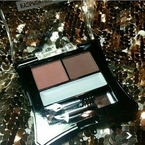 Eyebrow Palette with wax and 2 applicators! NEW