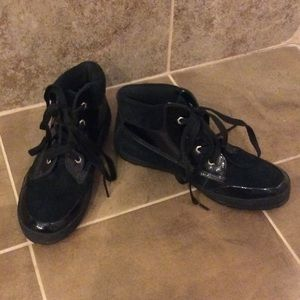 Ladies Timberland suede/patent leather shoes
